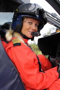 Norges første: Liss Amdal (35) er Norges første kvinnelige ambulansehelikopter pilot.