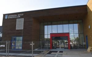 BYGDAS STORSTUE: Da nye Spongdal skole åpnet i 2014 ble det også et løft for det lokale kulturlivet på Leinstrand og Byneset. (Foto: Trondheim Kommune)