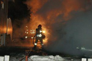 Brann i garasje ved Brubakken på Melhus